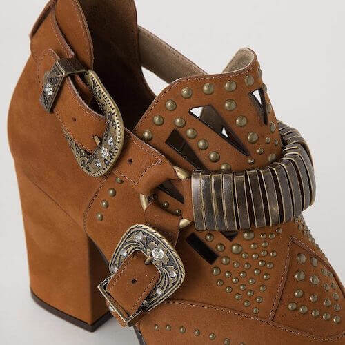 shoes buckle